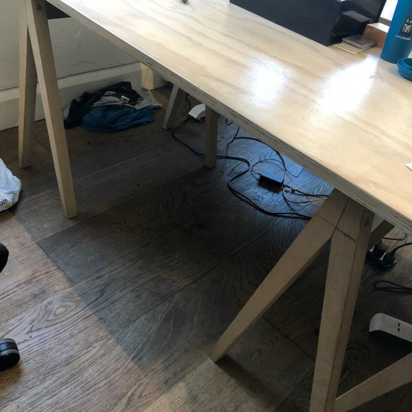 second hand desk berrins
